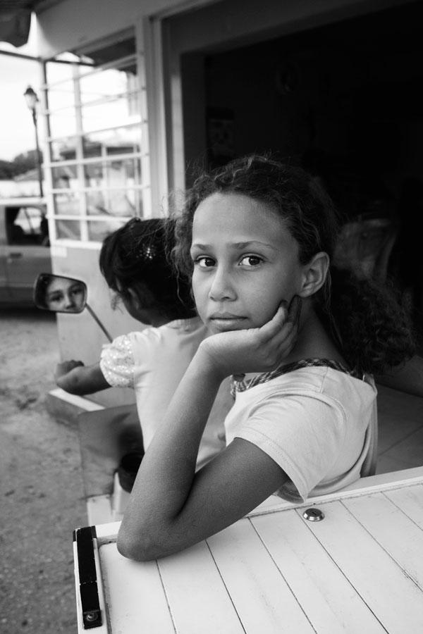 Sudanese girl in Avato. Photo: Pepi Loulakaki.