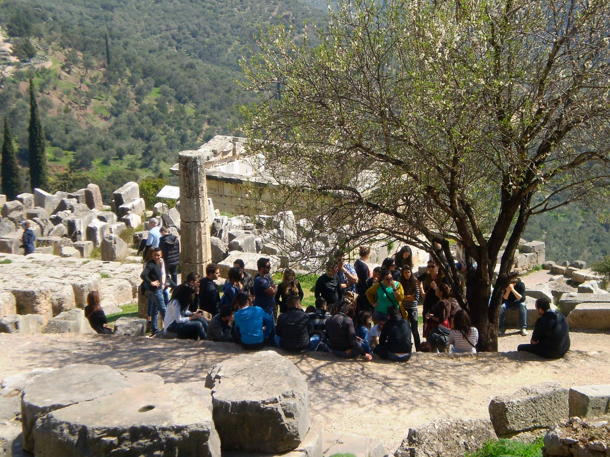 Guided tour at the archaeological site of Delphi.