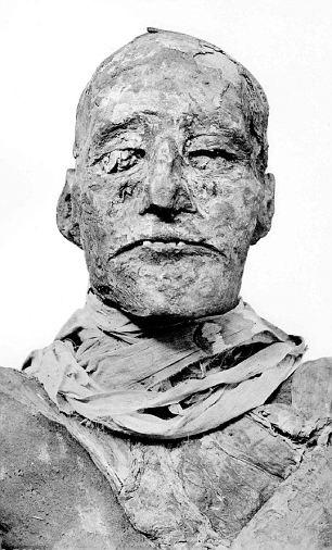 Ramesses' III mummy indicating the