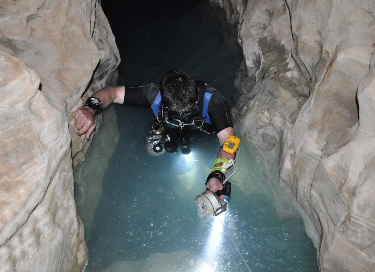 Cave diving. (photo: Natural History Museum of Volos)