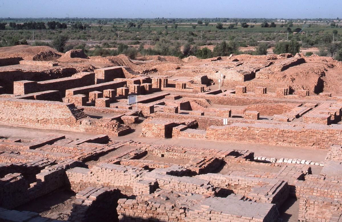 Mohenjo Daro in Pakistan (c. 2600 BC).