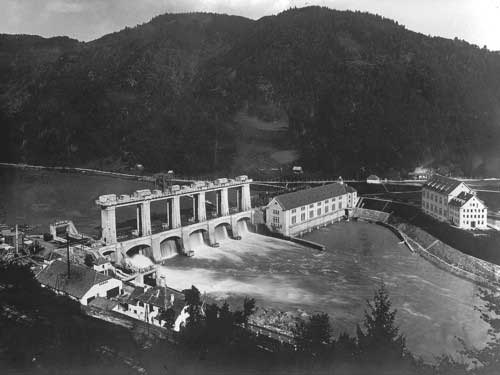 The newly finished Fala HPP in 1918.