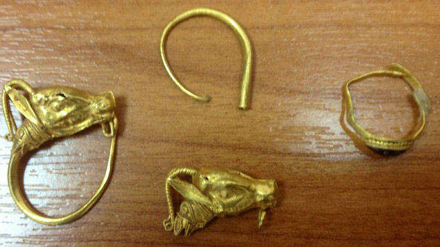 Ancient golden artefacts are a looter' s favourite finds.