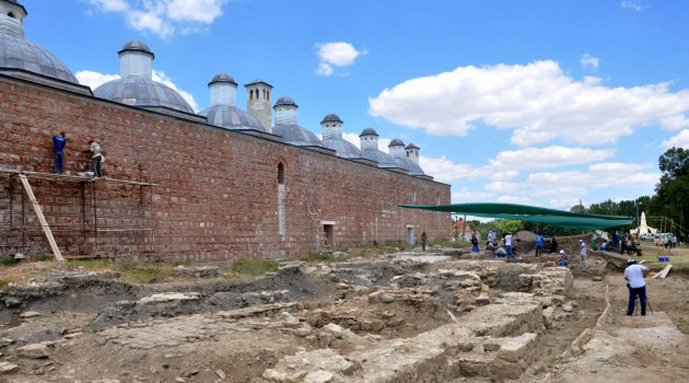 Restoration works alongside excavations taking place at Edirne Palace.