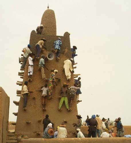 TounkaraDjingareyber Mosque in Timbuktu. © UNESCO/S.