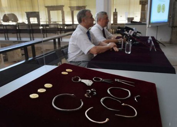 Dacian jewellery stolen from Sarmizegetusa Regia and recovered in 2013.