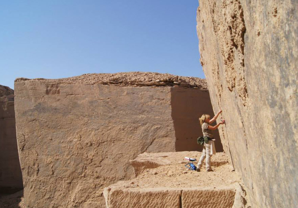 Gebel el Silsila. Dr. Maria Nilsson at work...