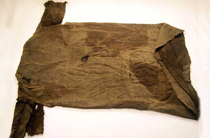 The sweater, made of warm wool and woven in diamond twill, was a dominating fashion trend among reindeer hunters 1,700 years ago. MUSEUM OF CULTURAL HISTORY, UNIVERSITY OF OSLO/PHOTO: MARIANNE VEDELER.