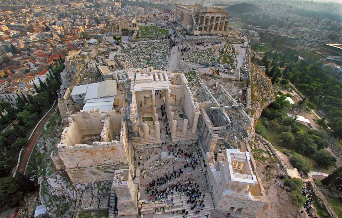 The 6th International Meeting for the Restoration of the Acropolis Monuments took place in the amphitheater of the Acropolis Museum on October 4-5, 2013.