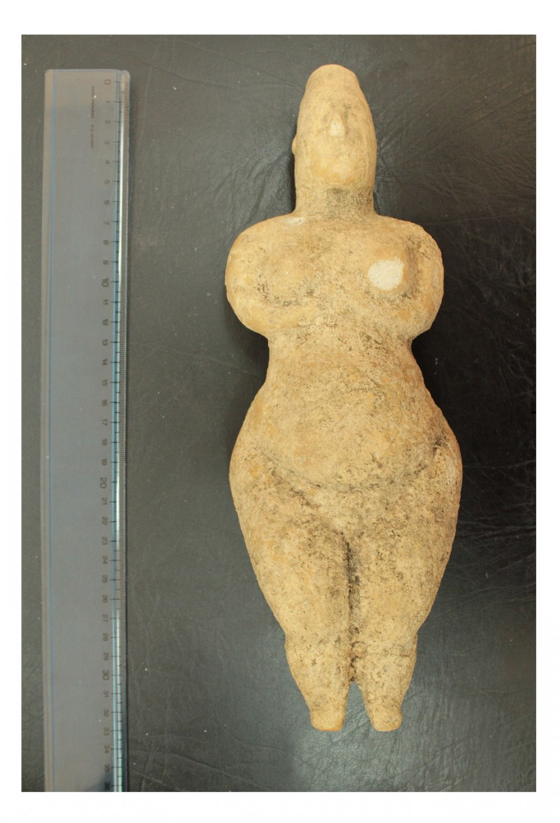 The 30 cm high Neolithic figurine.