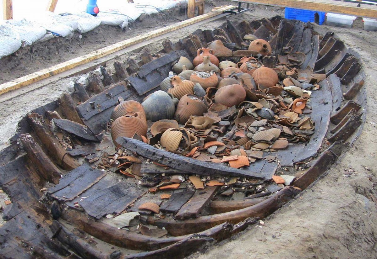 One of the wrecks that have been discovered during the excavations for the Marmaray project [Credit: Hurriyet].
