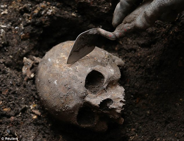 Scull found at Broadgate Ticket Hall dig, Liverpool Street station, London. The cemetery is named after the Bethlem Royal Hospital and holds many of its patients.