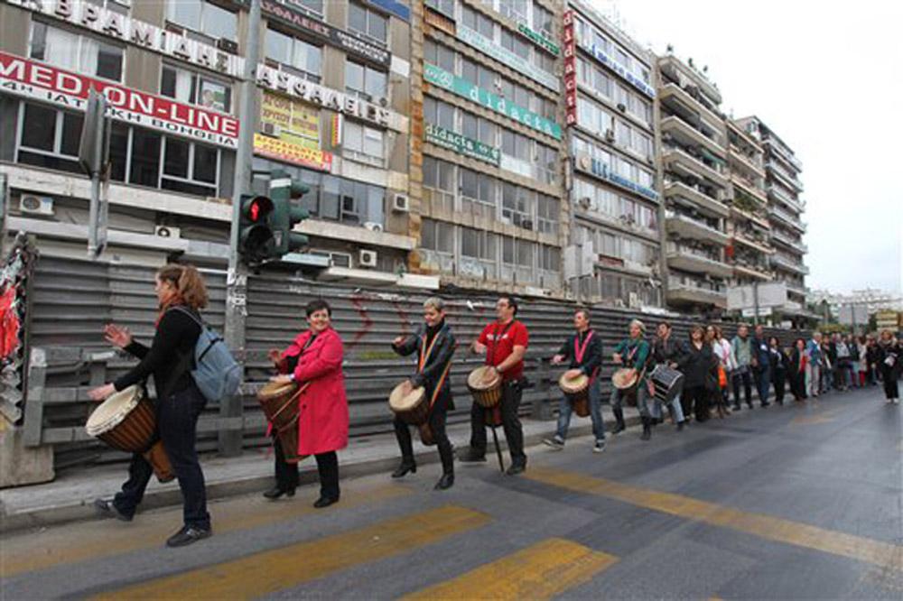 Protesting in Venizelou, Thessaloniki. Photo: Nikolas Giakoumidis.