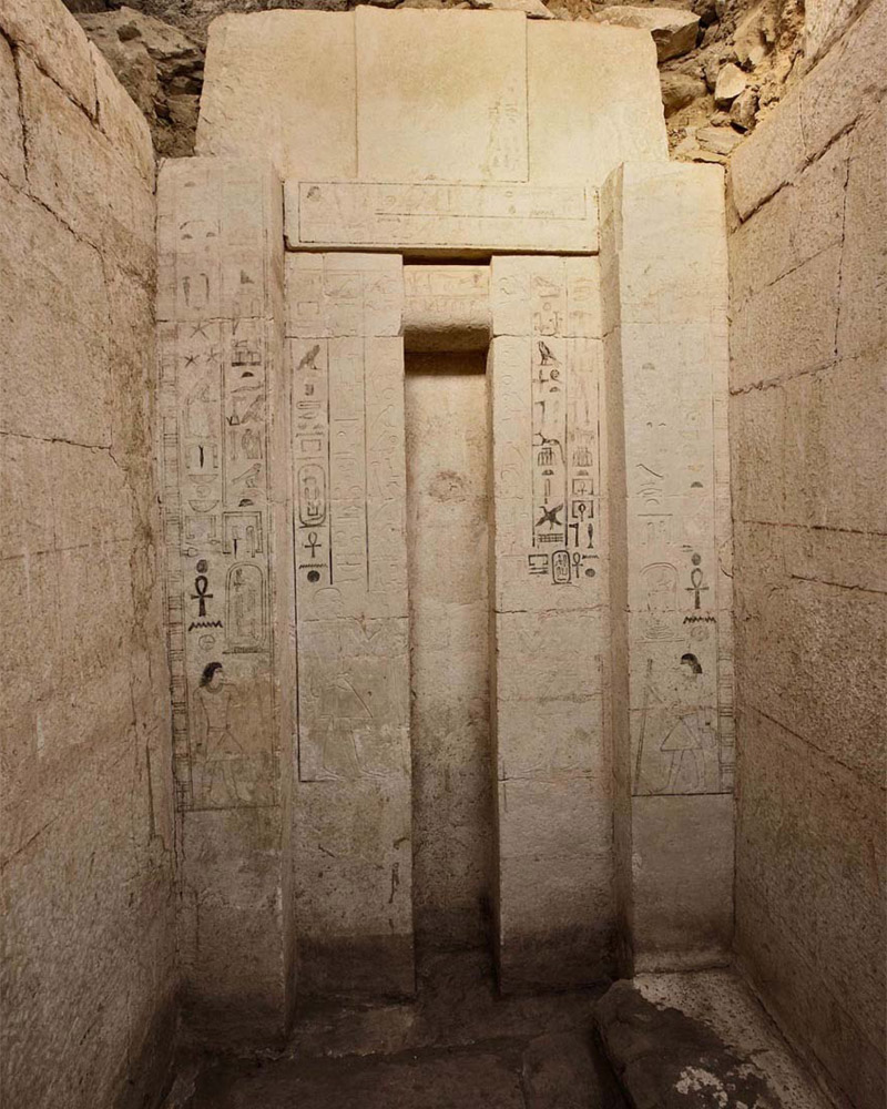 False door, tomb of Shepseskaf 'ankh, with names and titles of the tomb owner. Photo: CAM/SCA