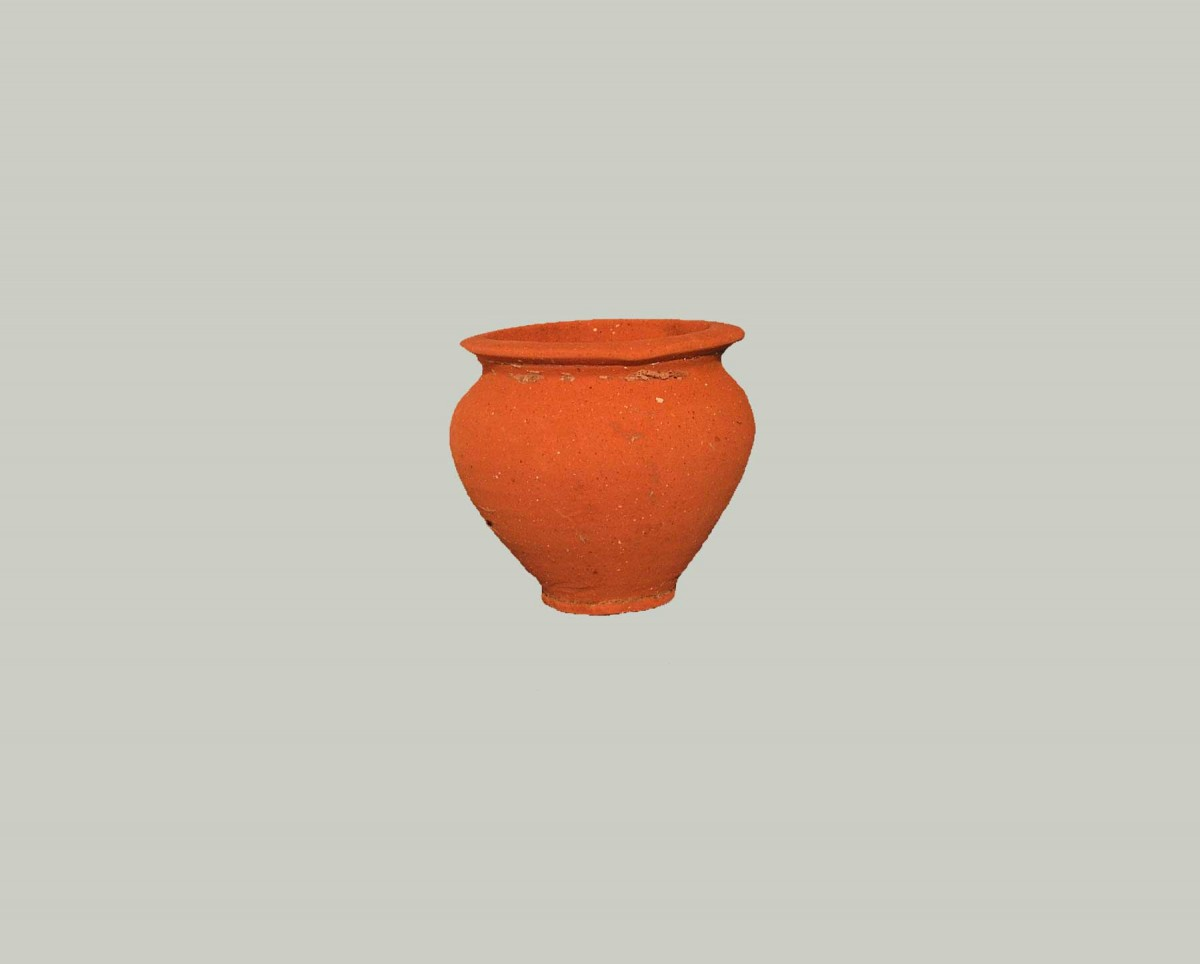Fig. 3. Small pitcher (© Archaeological Museum of Arta).