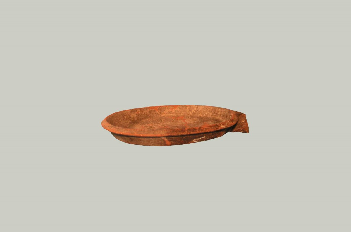 Fig. 7. Pan shaped utensil (© Archaeological Museum of Arta).