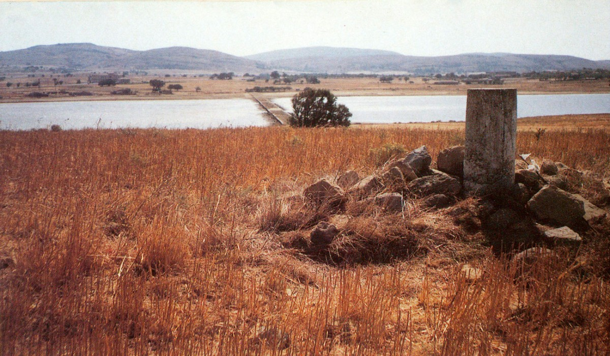 Fig. 11. The highest Koukonos plateau (at the north-eastern side of the islet), where the small pillar of the HMGS is to be found (10.06 metres). Here, systematic excavations have started.
