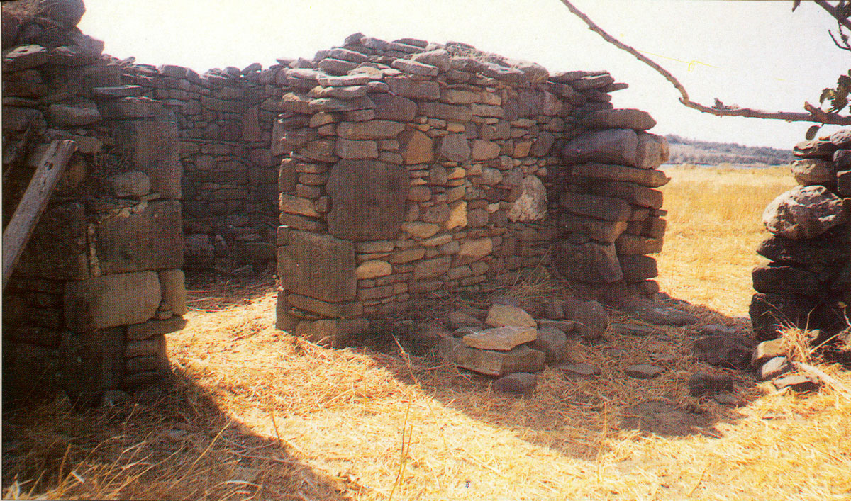Fig. 12. View of the barn on Koukonisi, built out of the material coming from the prehistoric settlement.