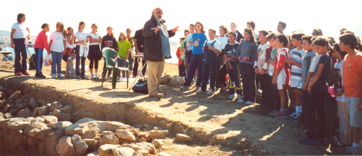 Fig. 53.  Guided tour by the director of the excavations.