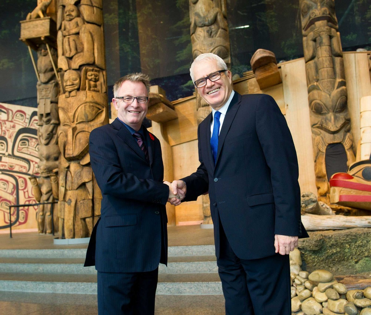 Mark O'Neill, President and CEO of the Canadian Museum of Civilization Corporation with His Excellency Eleftherios Anghelopoulos, Ambassador of Greece to Canada. Photo: Marie-Andrée Blais, Canadian Museum of Civilization Corporation.