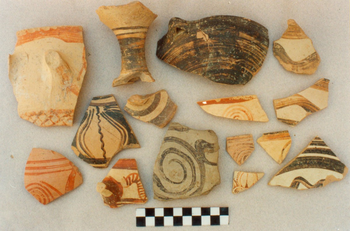 Fig. 1. Samples of Mycenaean pottery collected during surface surveys on Koukonisi.
