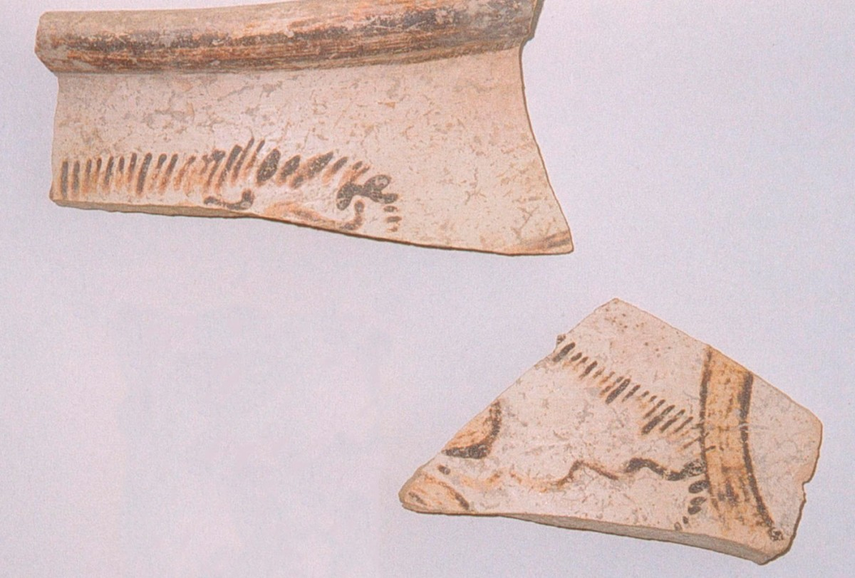 Fig. 3. Mycenaean sherds decorated with papyrus (Trench 9).