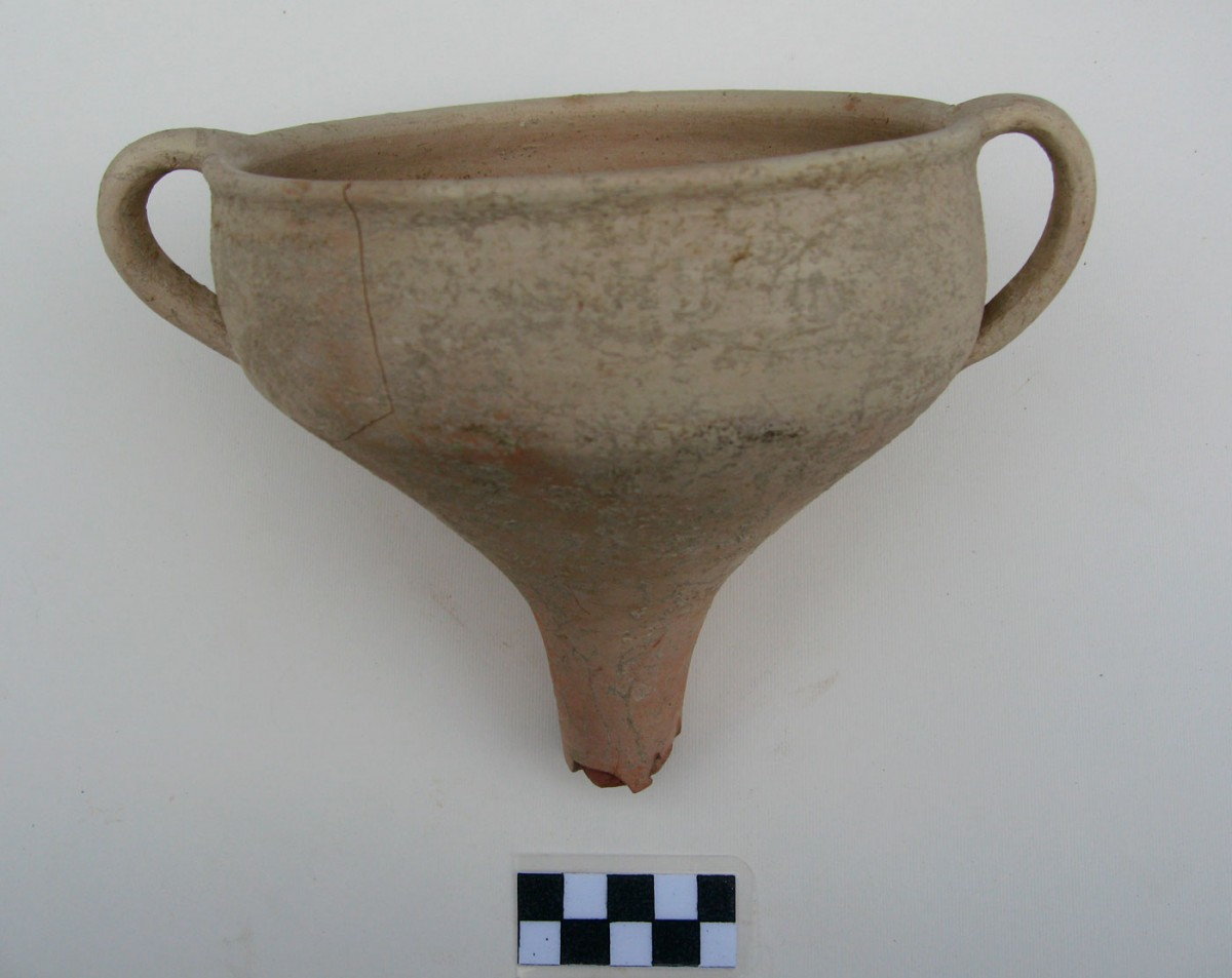 Fig. 4. Mycenaean kylix from the NE part of the settlement (Trench 6A).
