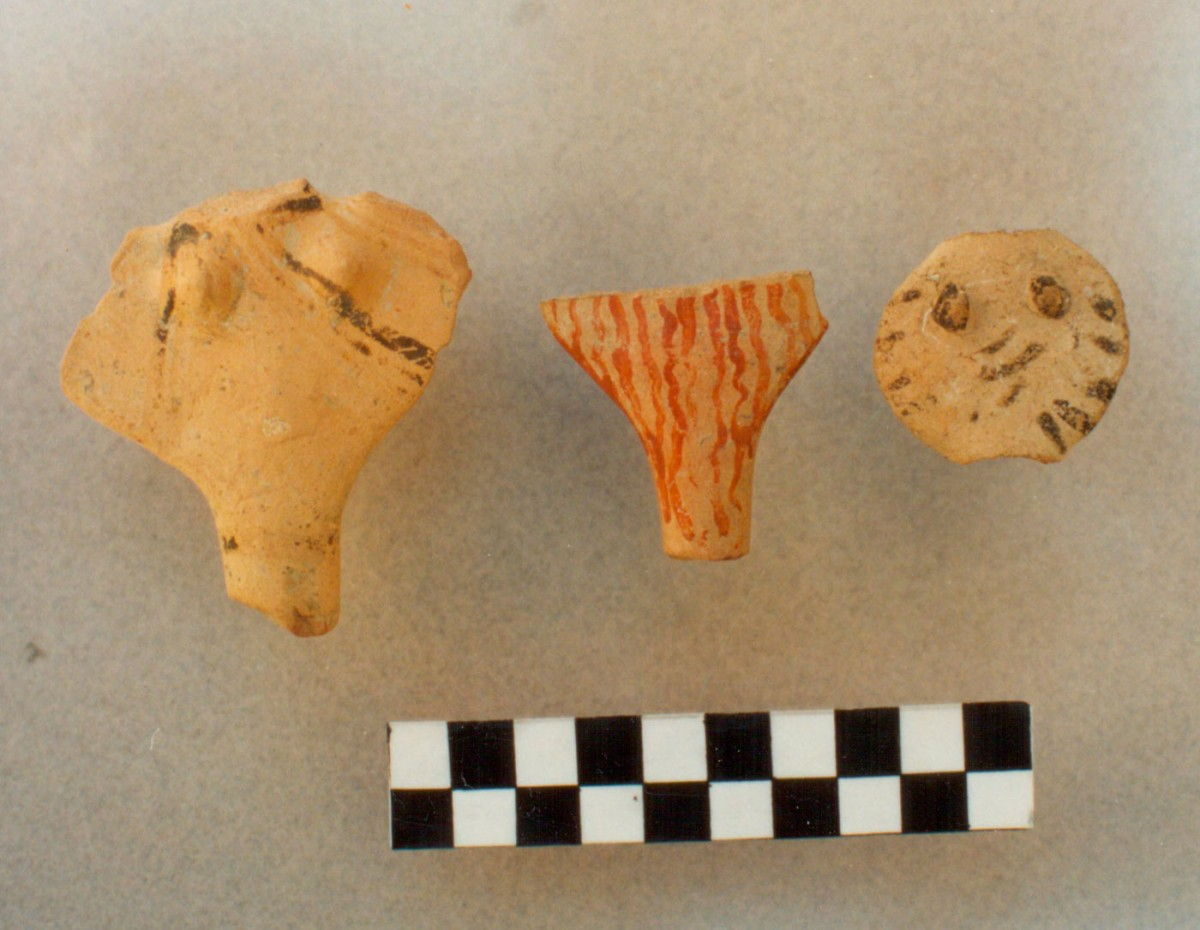 Fig. 5. Mycenaean anthropomorphic figurines (collected during surface surveys).