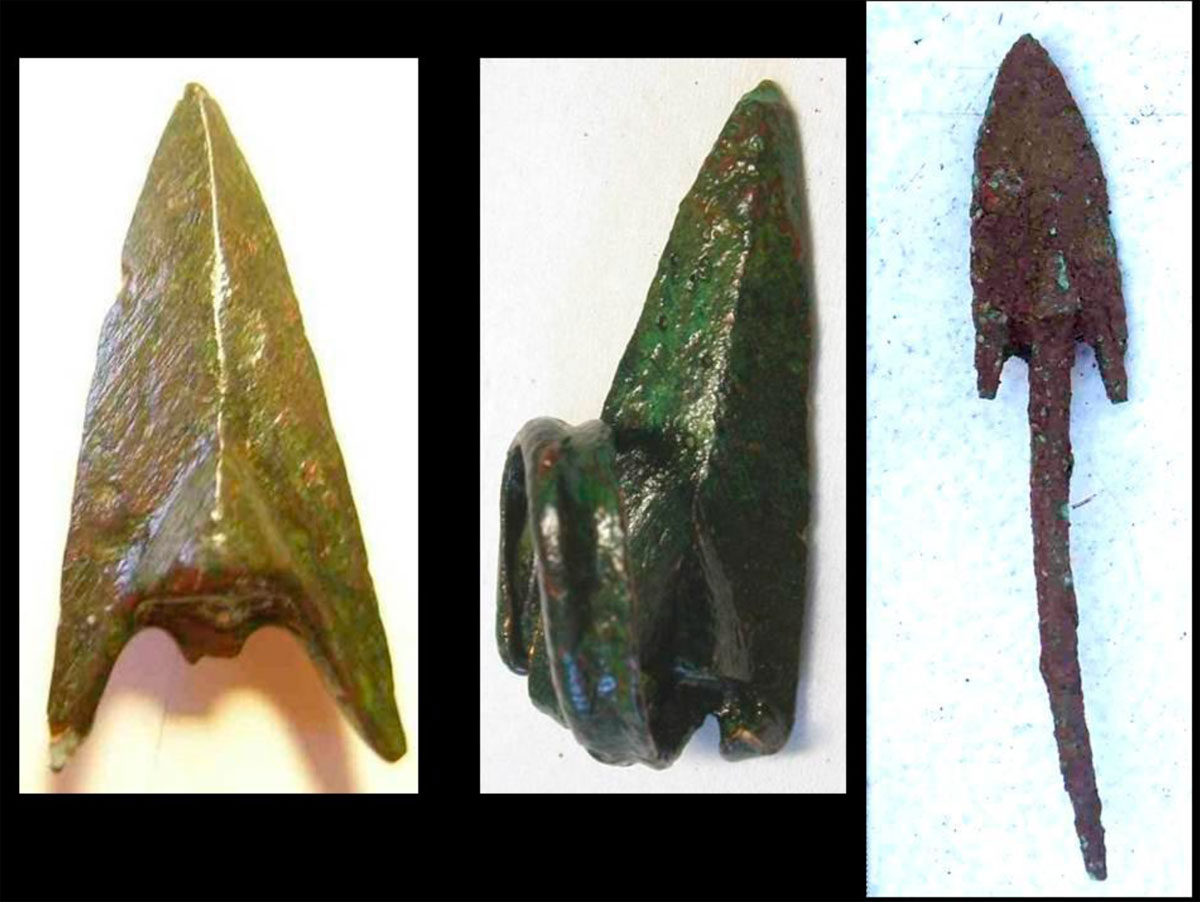 Fig. 39. Cretan arrow heads. They are all unused; this is a trace that they belonged to the defenders of the fort. The one in the middle was found at the sanctuary and it was dedicated to Apollo, who according to the myth taught the Cretans the art of arcing.