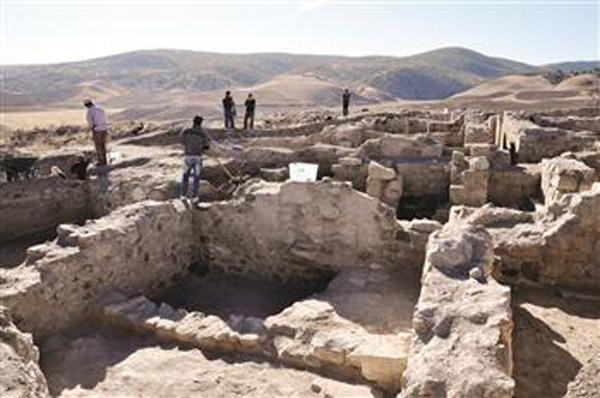 Excavations at Büyük Teflek, Kırşehir, Turkey. Photo: Hurriyet.