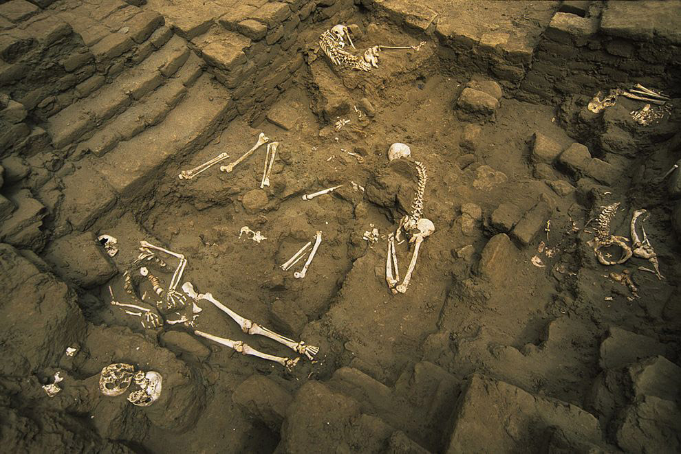 Huaca de Moche, Peru. The sacrificial victims were killed, displayed, and later swept into pits. Photo: National Geographic.