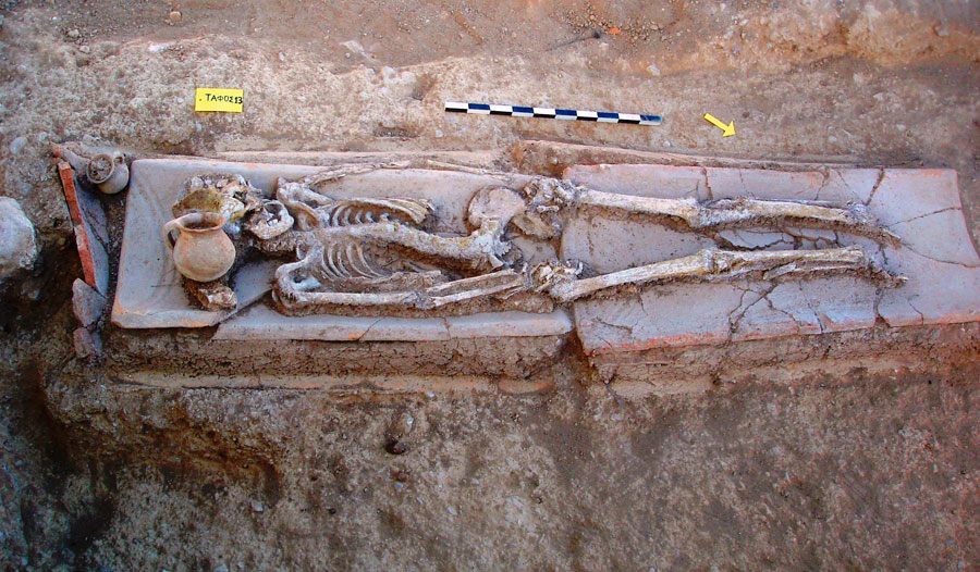 Fig. 13. Platanos: tile-covered grave.
