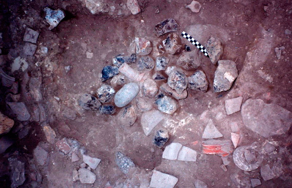 Fig. 5. One of the flint assemblages, as found during excavation (Trench 3, Room 1).