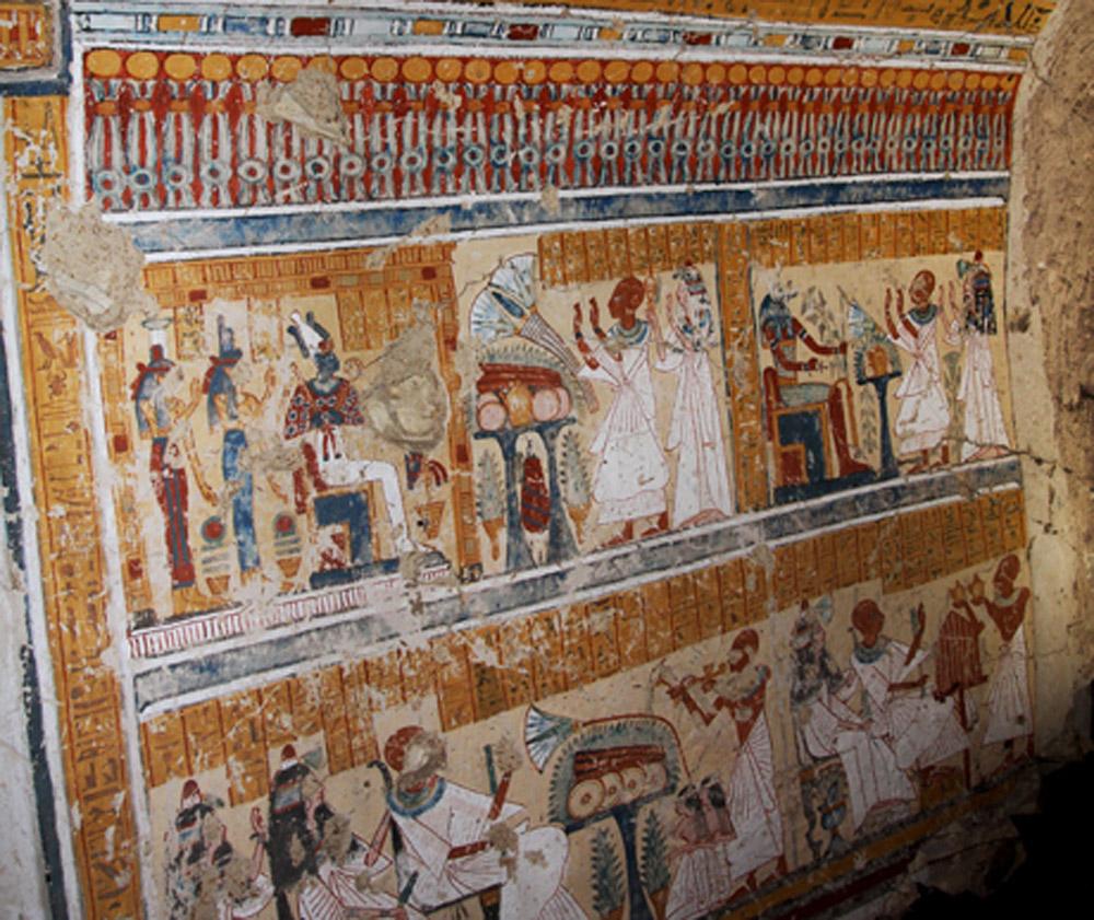 Khonsu im Heb and his wife  adoring deities. Ramesside period, Luxor, Egypt. Photo: MSA/SCA