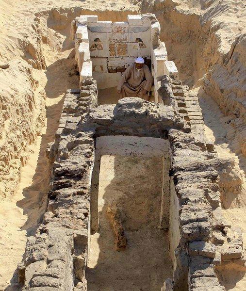 General view of the tomb of Seneb-Kay, Sohag, Egypt, Second Intermediate Period (c. 1700-1550 BC). Photo: La Nueva Espagna.