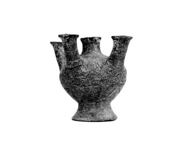 Fig. 1. Κato Kouphonisi: Clay 'lamp'.