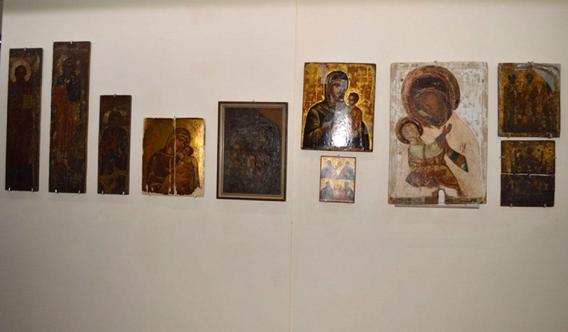 Fig. 1. View of exhibition with icons from the church of Aghia Zone in Ammochostos/Famagusta, 16th century.