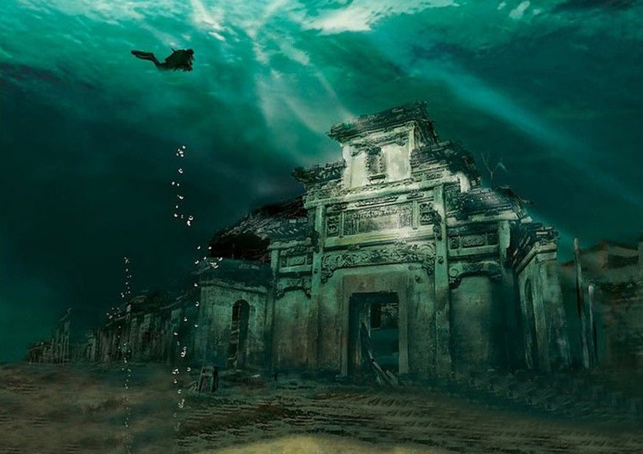 A building of the ancient city of Shi Cheng in its current state under the water. Photo:  National Geographic China.