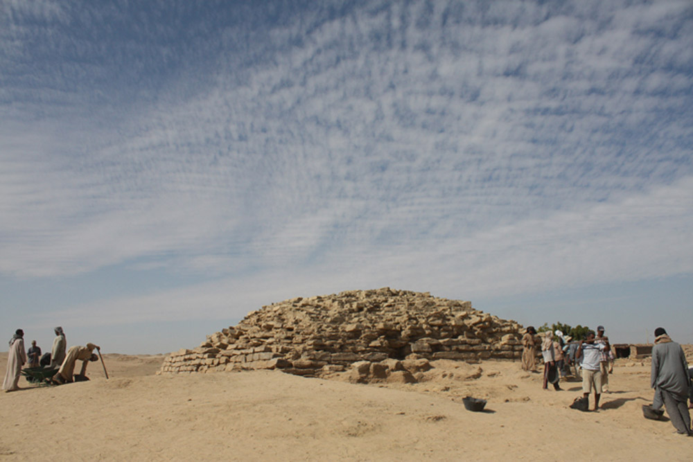 Remains of the provincial step pyramid of Edfu. Egypt, ca. 2635-2590 BC. Photo: ourtesy Tell Edfu Project at the University of Chicago's Oriental Institute.