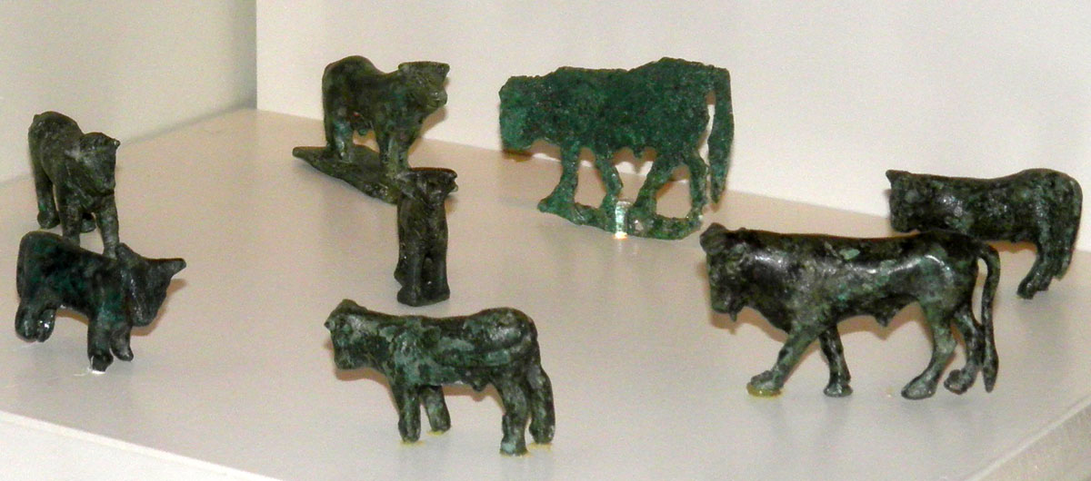 The bronze figurines were found in 1996-1997 near the church of Saint Paraskevi (© Archaeological Museum of Arta).