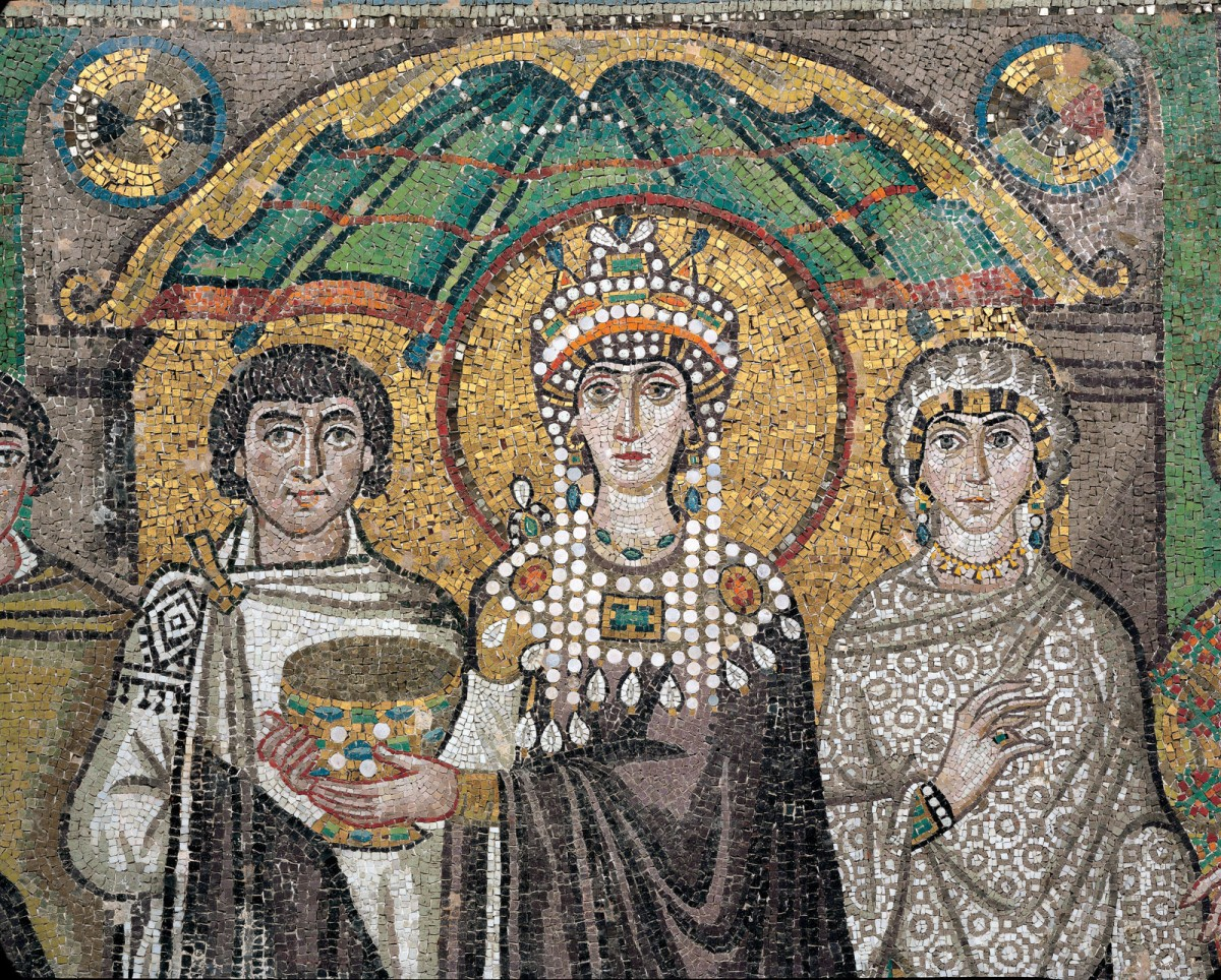 Empress Theodora, wife of Justinian I, and her entourage. Mosaic panel (detail), 547 AD.  San Vitale,  Ravenna, Italy.