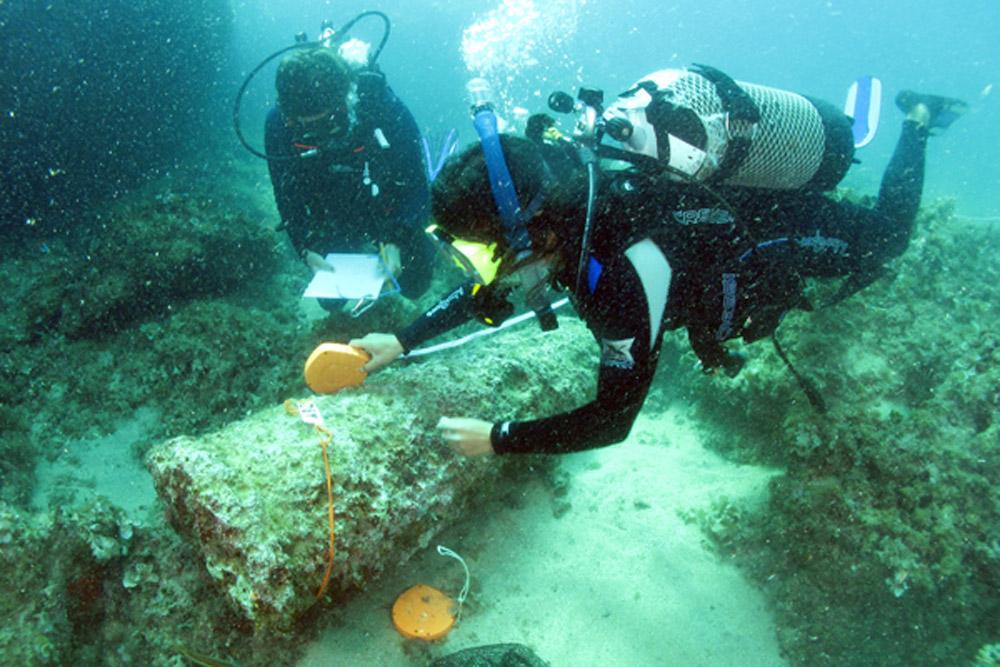 Maritime archeologist Justin Leidwanger maps the cargo of a Roman shipwreck at Marzamemi, Italy. Photo: S. Emma