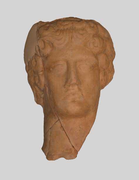Head of the male figurine probably depicting Apollo (© 33rd EPCA).