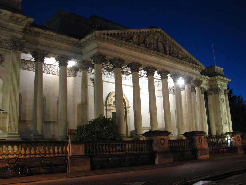 The Fitzwilliam Museum at night.