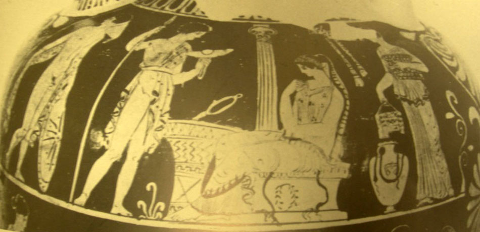 """Fig. 2.  Red-figured Apulian panathenaic amphora dated to 400 B.C. and attributed to the """"Sisyphus Painter"""". From Gravina. Taras, Mus. Naz. (After LIMC III s.v. «Elektra», fig. 2)."""