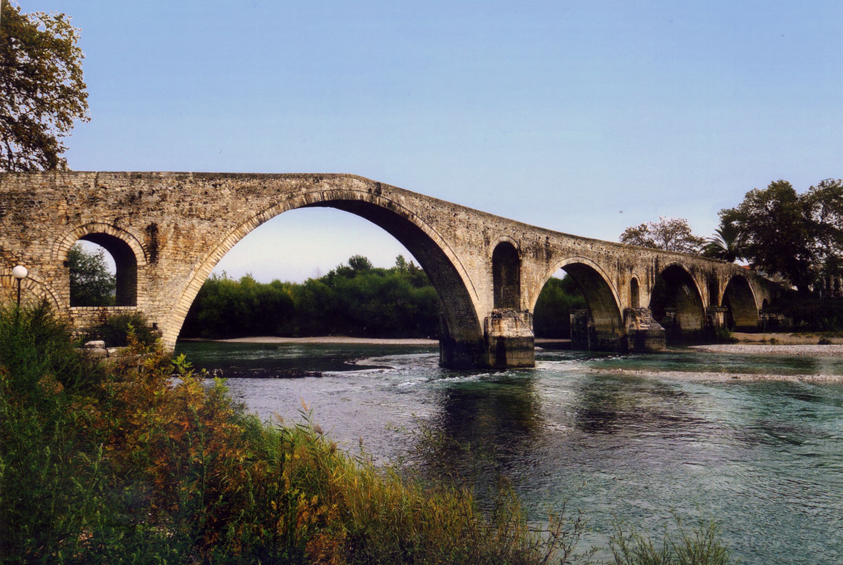 Fig. 3. The bridge of Arta (2010).