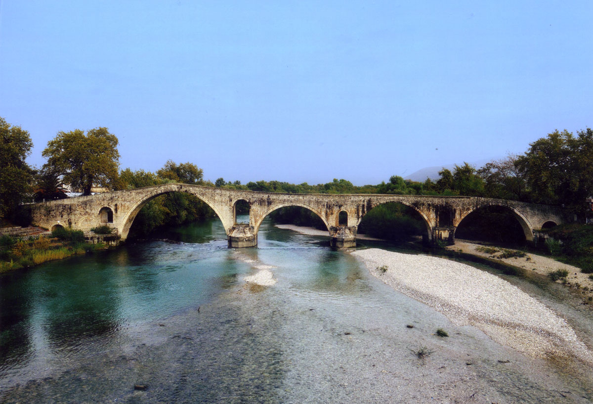 Fig. 4. The bridge of Arta (2010).