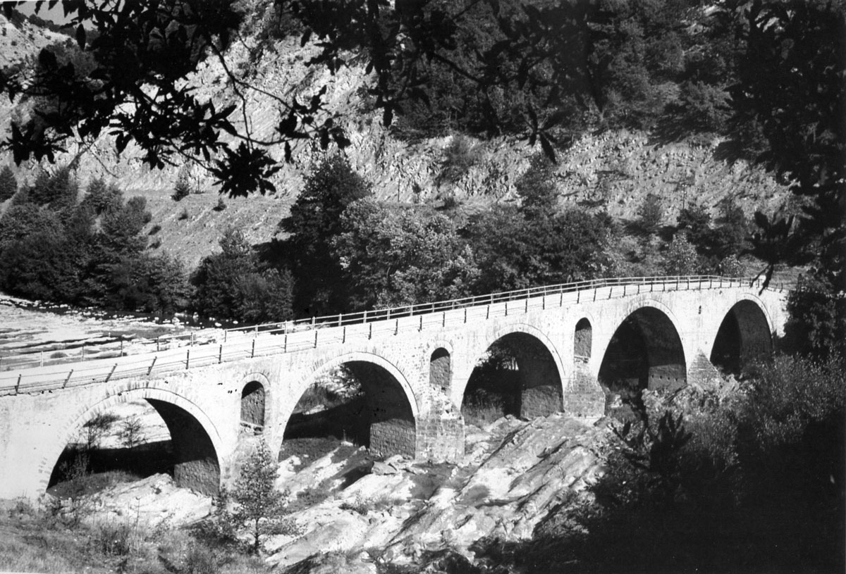 Fig. 7. The bridge of Spanos (G.P. Tsotsos, Macedonian bridges, p. 35, fig. 5).