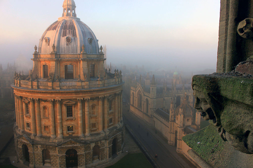 Oxford University, Radcliffe Camera, a reading room of Bodleian library. Wikimedia Commons.