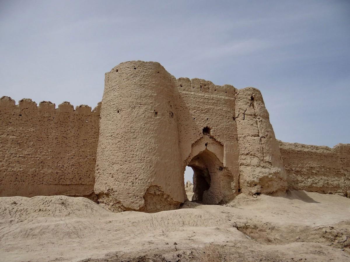 City gate at Shahr-e Sukhteh.